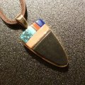 ホピ Sonwai Swell Inlay 18Kt Wood&Coral… Pendant