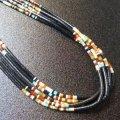 サントドミンゴ ジェット&マルチカラーストーン ヒシ5連ネックレス約47cm