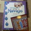 ギフトアイテム15〜 洋書 「TREASURES of the Navajo」 1997年発行ペーパーブック
