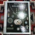 古洋書 「WHO'S WHO IN ZUNI JEWELRY」 1980年発行ハードブック