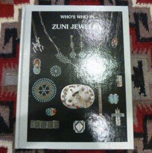 画像1: 古洋書 「WHO'S WHO IN ZUNI JEWELRY」 1980年発行ハードブック