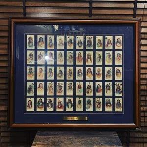 画像1: ヴィンテージ雑貨 インディアンチーフ50人 シガレットカード木製額入り壁掛け